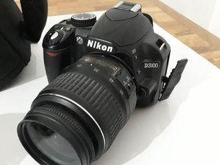 De vânzare aparatul de fotografiat Nikon D3100 lentila 15-88