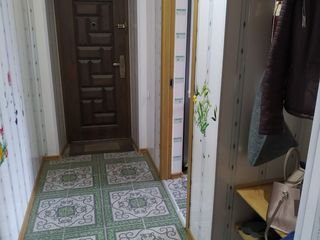 Продается двухкомнатная квартира и незаконченное строение в паре, в центре города Сорока!