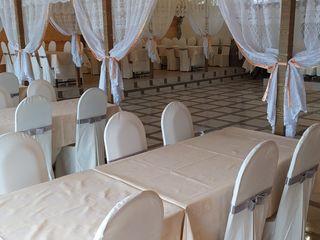 Sala de petreceri,evenimente,nunți,cumătrii pe malul lacului Suruceni.