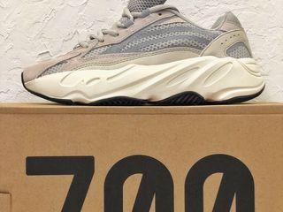 "Adidas Yeezy Boost 700 V2 ""Static"" Unisex"