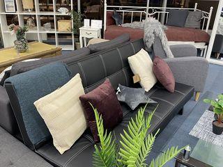 Vind canapea extensibila in stare noua