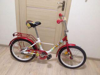 Vînd bicicletă pentru copiii
