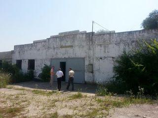 Depozit - Balti - sat. Sadovoe - 570 m2 + 17 ari de teren. Negociabil!