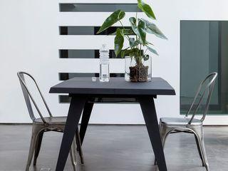 Столы и стулья для баров, ресторанов и кафе