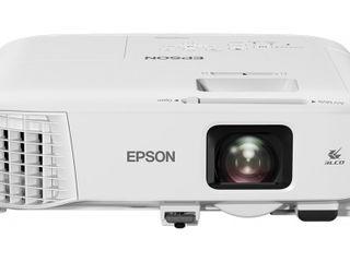 Новый проектор Epson EB-992F