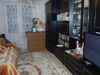 Se Vinde Apartament cu 3 odai (50 m2) Apartament Calduros