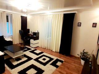 Apartment de vis, casa noua 3/6 euroreparatie, mobila, tehnica in inima or.Ialoveni. Pret:52000 euro