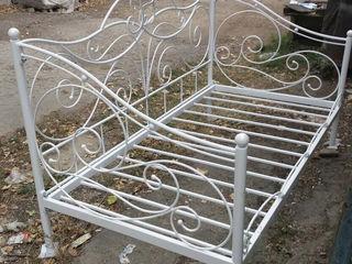 Отличная белая железная кровать с матрасом!