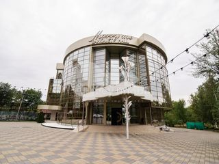 Sp. Comercial spre vânzare ( restaurant ), 2772 mp, str. Florilor, 2000000 € !