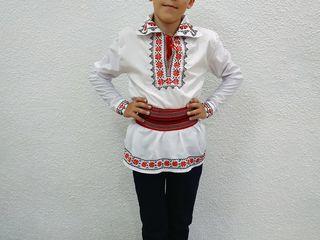 Costum national  brodat la comanda  pentru copii pina la 12 ani ,livrare toata  Moldova