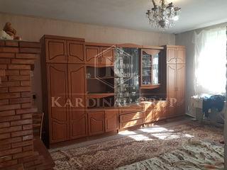 Vânzare casă, 2 nivele, 100 mp, teren 3 ari, sectorul Centru, 47 900 euro!