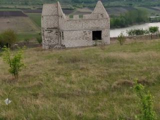 Se vinde casă în proces de ridicare cu tot cu pământ în r-nul ialoveni