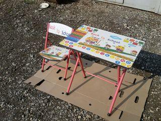 Детский складной столик со стульчиком 450 лей.
