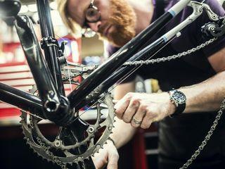 Reparatia bicicletelor oricarei complexicitate