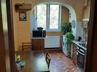 Продается отличная двухкомнатная квартира с автономным отоплением!