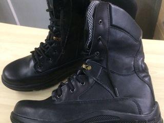 Новая обувь из натуральной кожи