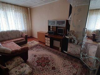 Vand apartament cu 2 odai in orasul Leova