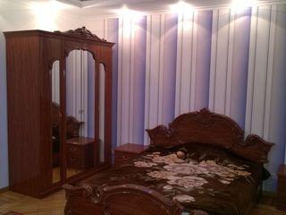 Chirie apartament spatios cu 3 odai.Riscani.350 Euro