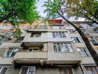 Apartament cu 2 dormitoare , sec.Rascani,M.Costin