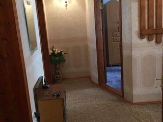 Apartament de vinzare partial mobilat cu 3 odai