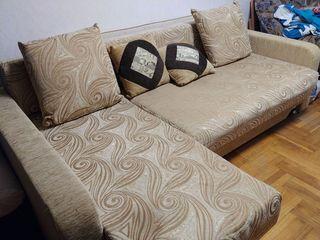 Угловой диван большой 3500 лей