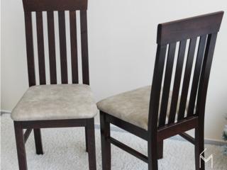 Se vinde scaun din lemn natural.Calitativ și ieftin.