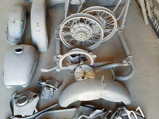Пескоструйная очистка мотоциклов и любых деталей от ржавчины и старой краски,грунтовка, покраска.