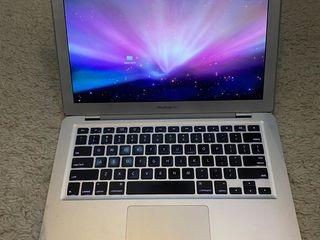 150 euro!!! MacBook Air 13. Bateria noua. Stare ideala