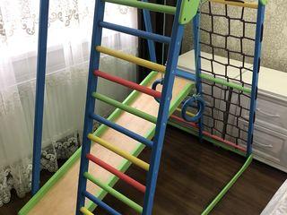 Детский спортивно-игровой комплекс!  Возможна доставка в Кишинев! Новый в упаковке!!!