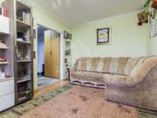 3.Schimb apartament cu 3Dormitoare+Living, 48000 etajul 4/5 pe 2-ă cu reparație bună+EU sau casă.