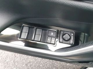 Накладки на двери Toyota Rav4 2019-2021