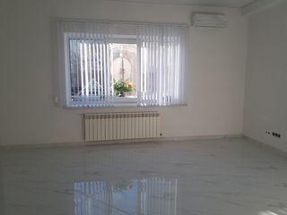 Сдача коммерческой недвижимости 90м2 офиса  на первой линии!