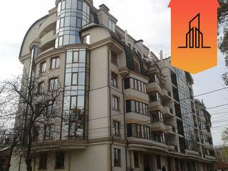 Аpartament cu 3 camere cu euroreparatie, bloc nou de elita, Centru! Pret - 142 000 €