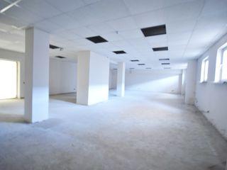 Buiucani, spații comerciale, preț redus, în rate : 73, 76, 84, 103, 107, 125 m2, toate comunicațiile