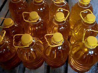 Ulei prajit ambalat in sticle 5,3 litri