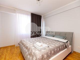Centru !! 2 dormitoare+living, euroreparație, bloc nou, 500 € !