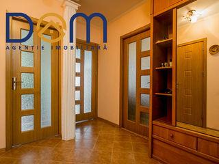Apartament cu 2 camere. etajul3 .53 m2,  cu reparație,mobilă și tehnică. Botanica
