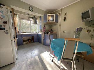 Spre vînzare apartament cu 3 camere(ms-seria)+debara,autonomă,buiucani