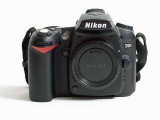 Nikon D90 ideal 6500 de poze.