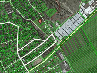 Teren pentru constructii 17ari in sat. Corjova, cu toate retelele,  la distanta de 500m de la Nistru