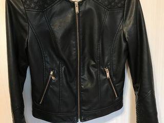 Кожаная курточка s ,б/у