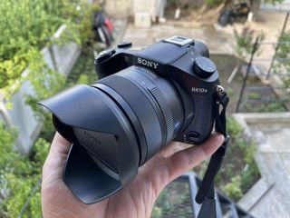 Sony DSC-RX10M II