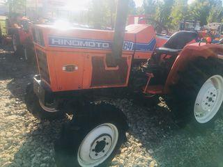 Se vinde tractor Hinomoto E2604 cu freza de sol