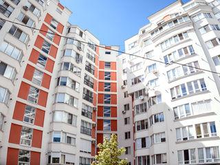 Apartament 3 odăi Buiucani Balcani 2/2. Proprietar