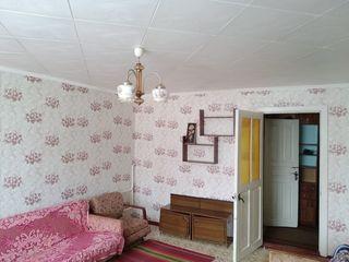 Продается большая 1- комнатная квартира 36 кв. м. в котельцовом доме. Большой балкон этаж 3 из 3 кры