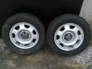 Продам шины с дисками (пользовался два месяца,95% новые)