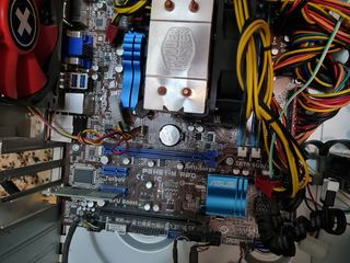 ASUS P8H61-M PRO Socket LGA 1155+cpu i5 2500 +coler 1650 lei nu cedez