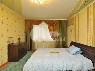 Apartament cu 2 camere, euroreparație, Buiucani, 350 € !