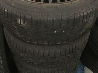 R15. 195/65. Kleber + Discuri Mercedes 5/112 original !!!