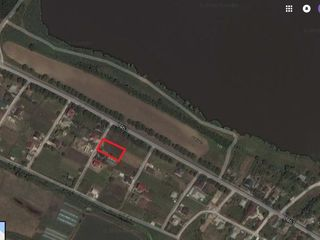 Vind 10 ari teren pentru constructie la doar 10 min de Chisinau s. Suruceni